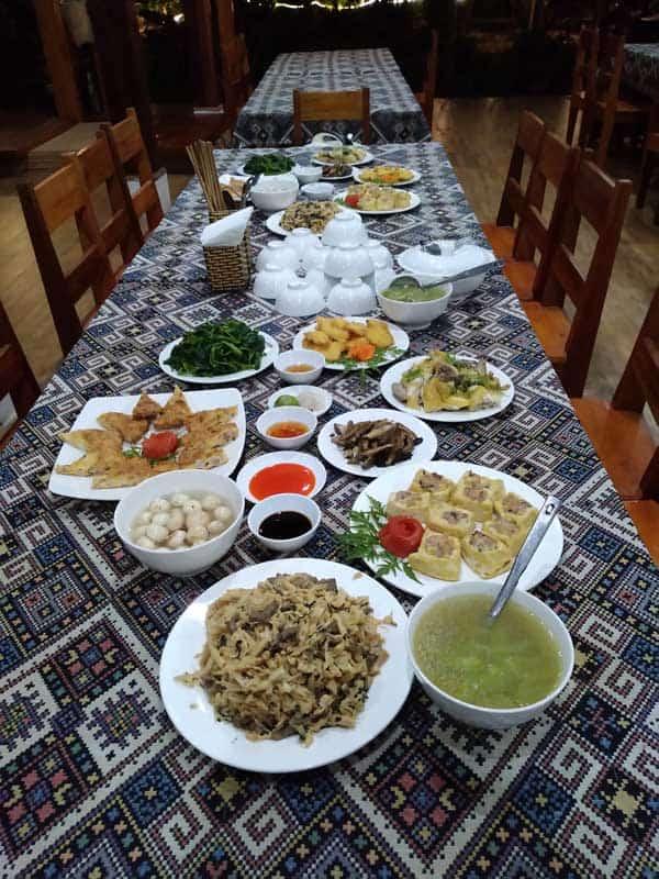 Repas chez les Thai à Mai Chau